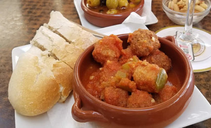 Traditional Tapas –Spanish Meatballs in Almond Sauce ...
